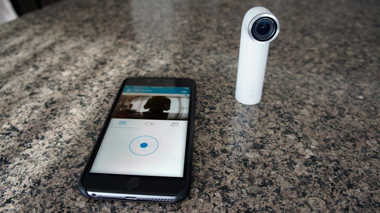 Par le biais d'une connexion Wi-Fi ou Bluetooth, vous pouvez utiliser un téléphone comme viseur.