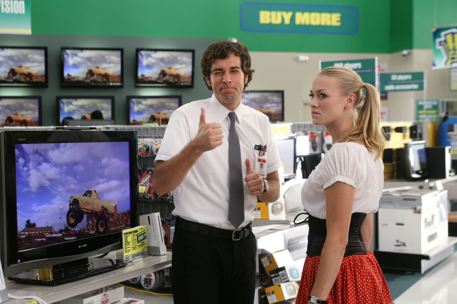 La télésérie Chuck se déroulait en bonne partie dans une succursale de Buy More, un pastiche de Best Buy qui mettait en relief la culture de l'entreprise.
