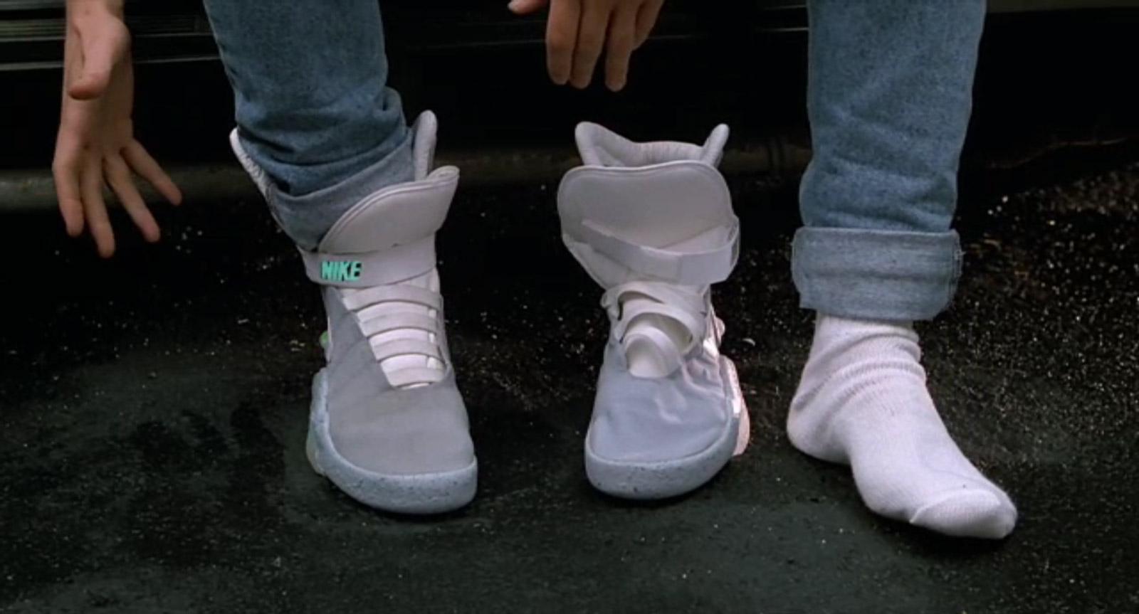 Les chaussures qu'enfilent Marty au début du film (Image : Universal).