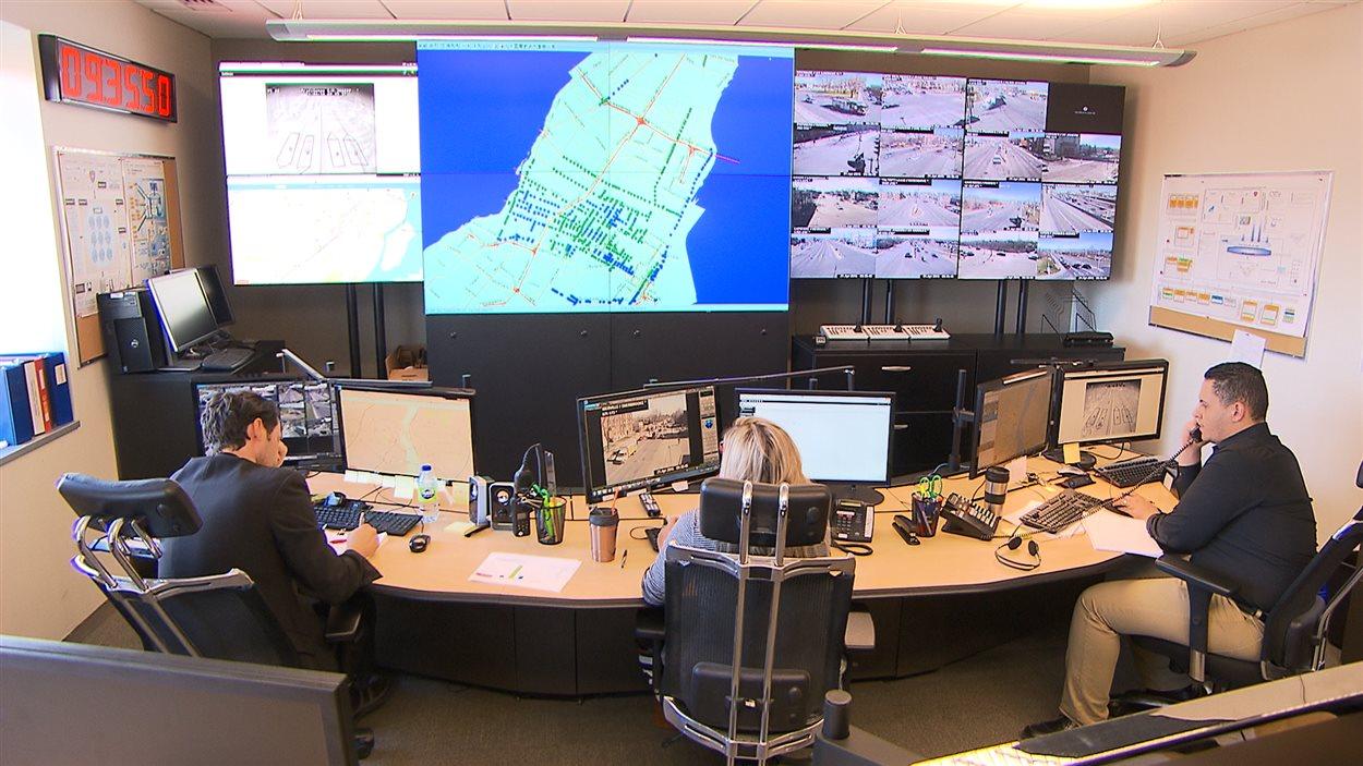 Le Centre de gestion de la mobilité urbaine de la ville de Montréal (Photo: Charles Dumouchel pour Radio-Canada).