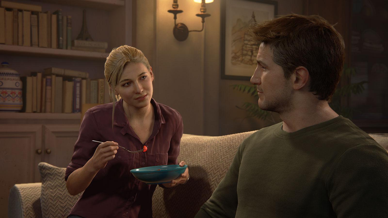 Comme la plupart d'entre nous, Elena et Nate soupent devant la télé.