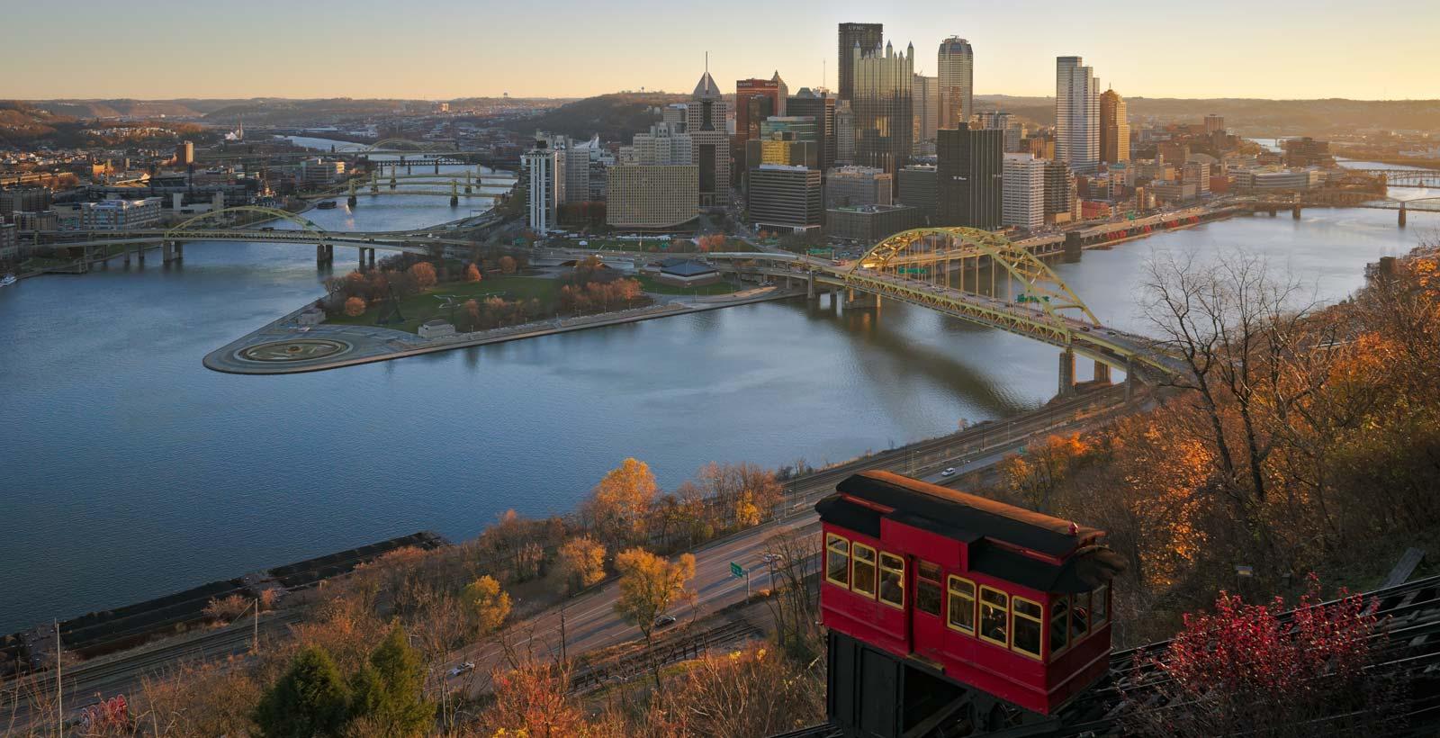 Bienvenue à Pittsburgh, la ville de beaucoup de ponts.