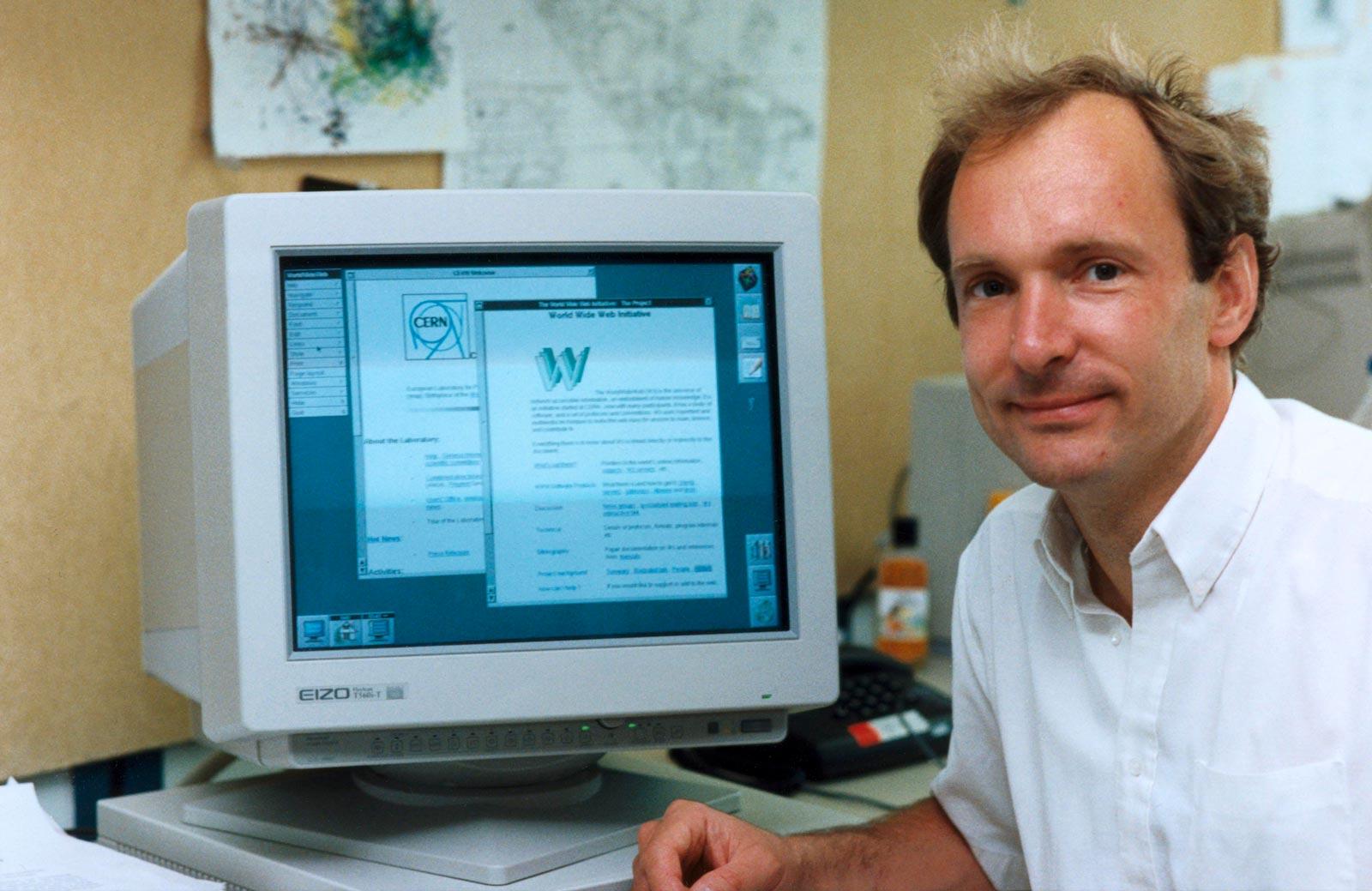 Tim Berners-Lee, quelque part en 1990 (Photo : CERN).