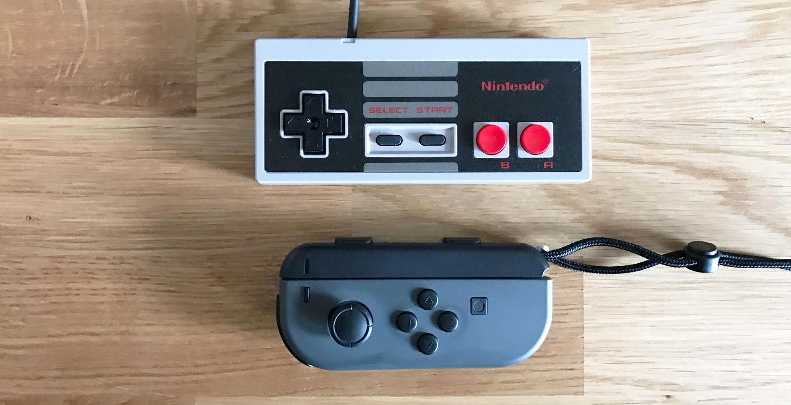 La manette de la NES Classic Edition par rapport à la Joy-Con de gauche.