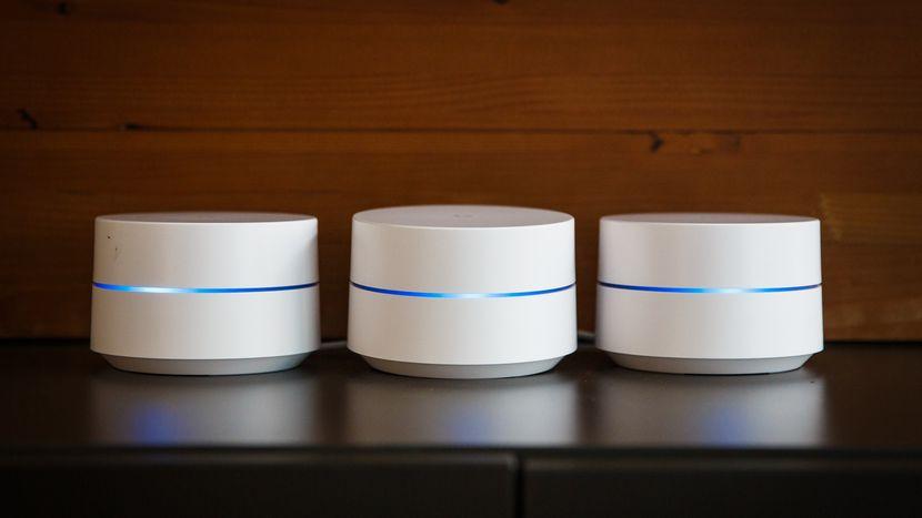 Si vous êtes à la recherche d'un excellent routeur Wi-Fi Mesh, le Google Wi-Fi est à considérer